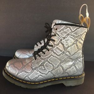 Dr Martens Pascal Met Silver Combat Boots size 9